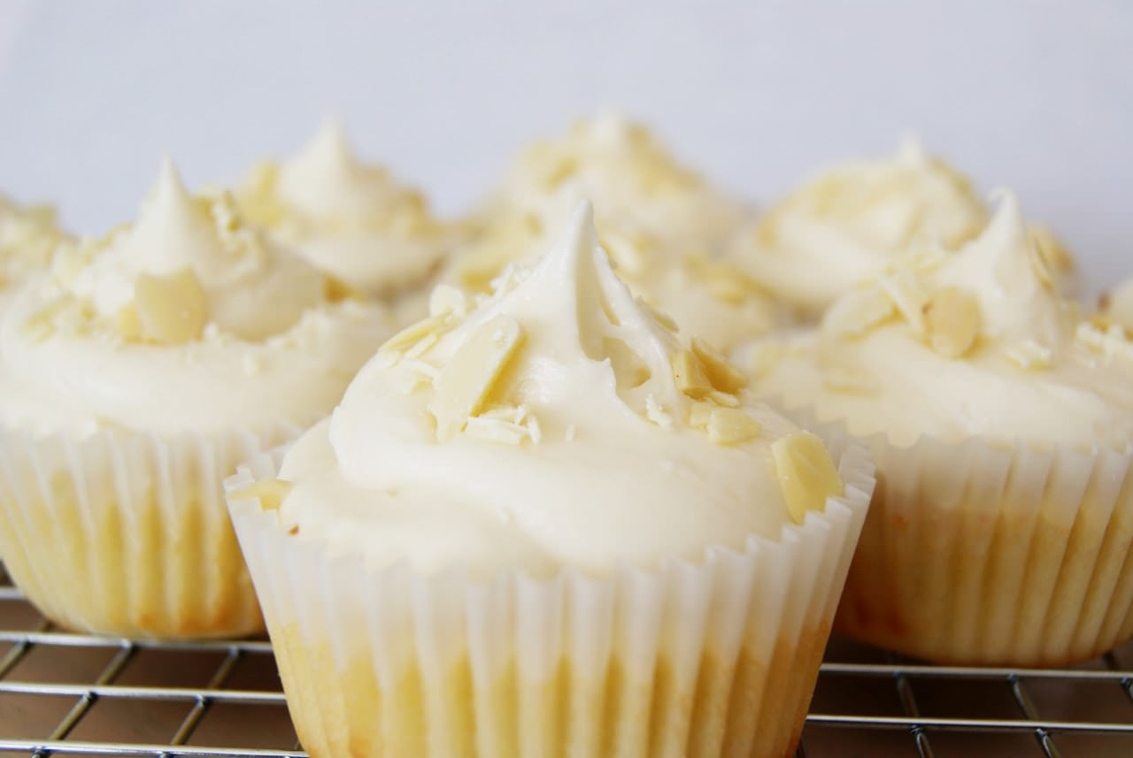 One Bowl Pine Nut Cupcakes With Raspberry Cream Cheese Frosting ...